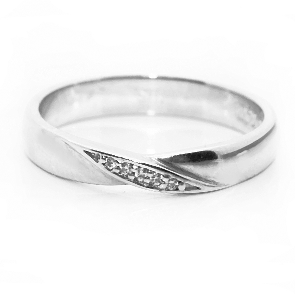 Diamond Twist Shaped Wedding Ring