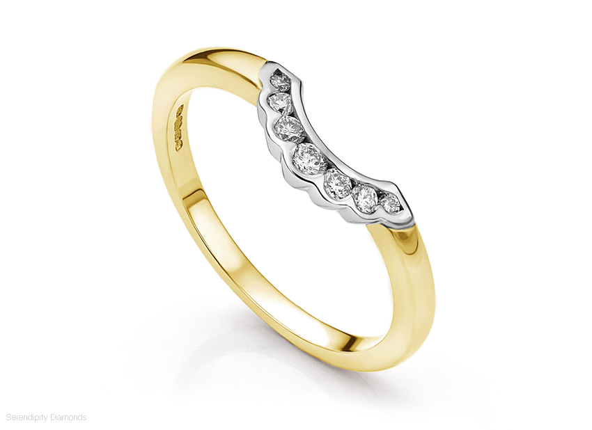 Horseshoe shaped wedding ring design