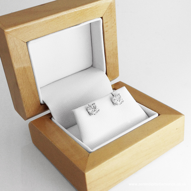 Solitaire Round Diamond Earrings ED005 - Boxed