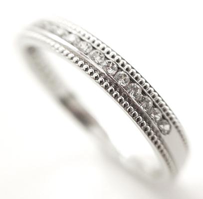 milgrain and diamond set wedding ring in true vintage styling