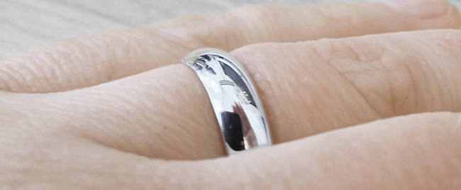 Heavy D shape wedding ring shown in a 5mm width