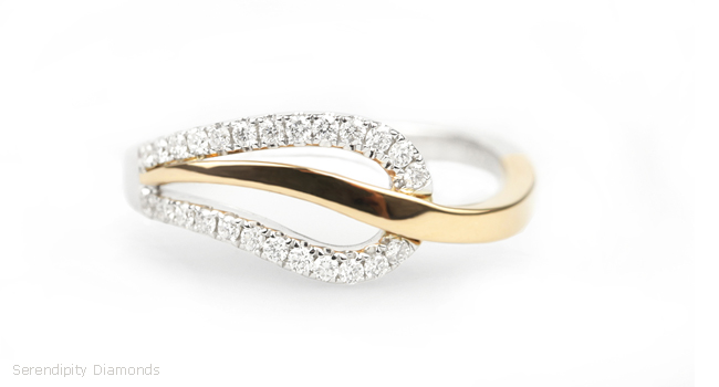 Leaf Style 18ct White & Yellow Gold Ring with Diamonds