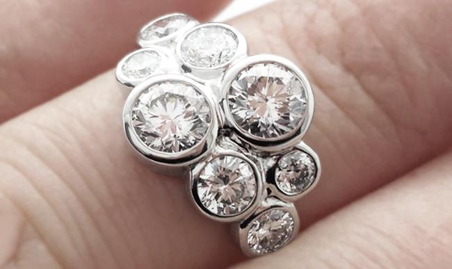 Modern Cluster Rings 8 Stone Bubble Design
