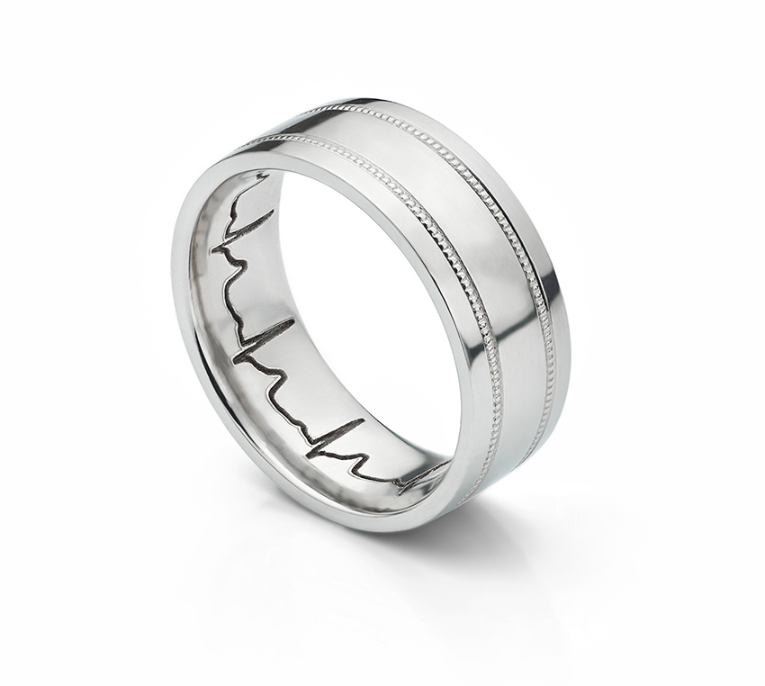 Milgrain line pattern with heartbeat engraving