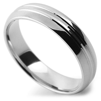 section patterned wedding ring