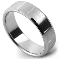 Wedding ring with cross patterned lines