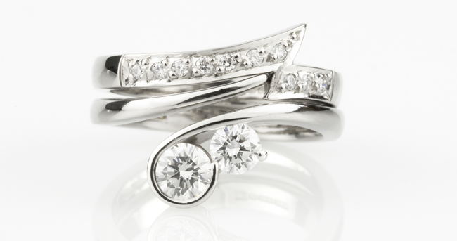 Lightning-Strike-Shaped-Wedding-Ring
