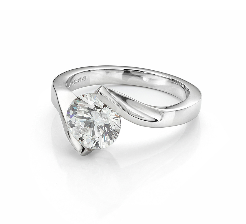 Unity - a tension style solitaire design with an invisible setting