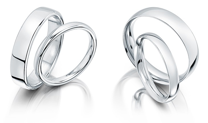 slight-court-and-traditional-court-wedding-rings