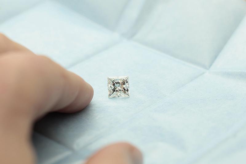 3 Carat Diamond In Parcel Paper