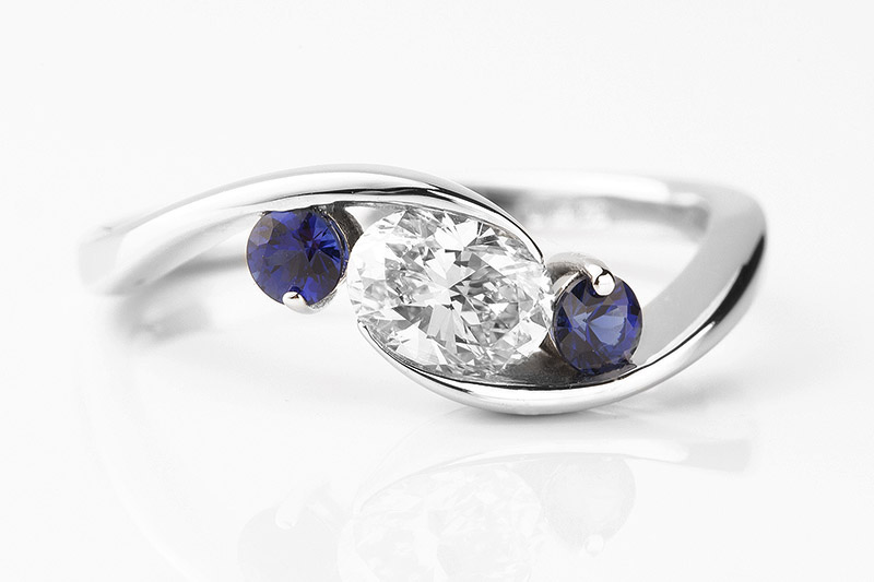 engagement rings with a blue sapphire topaz