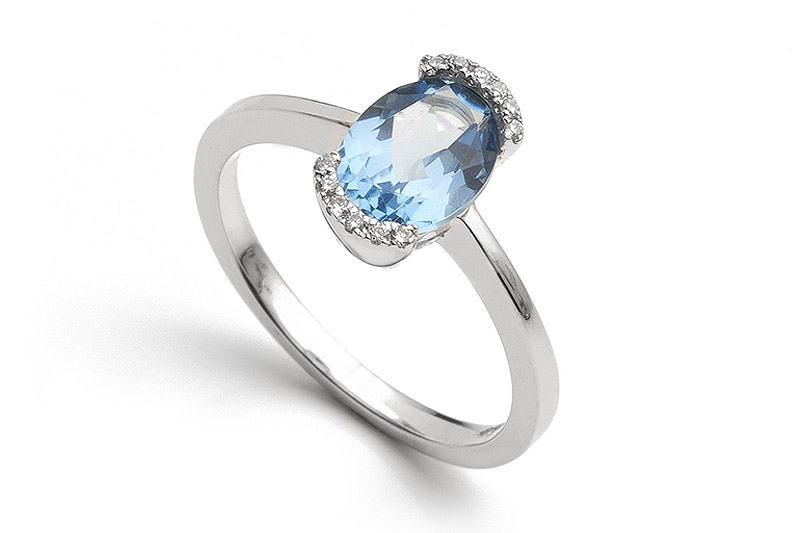 Blue topaz, one of the popular blue gemstones for engagement rings