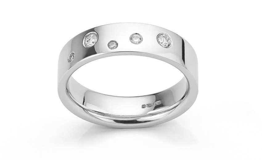 Adding diamonds to a ring in a random scattered pattern