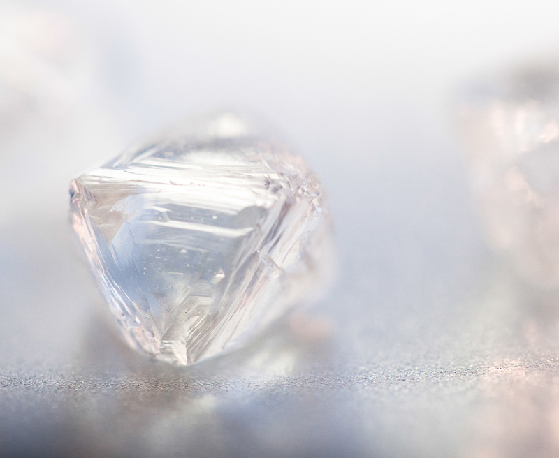 Rough traceable diamonds from the Ekati and Diavik Mines