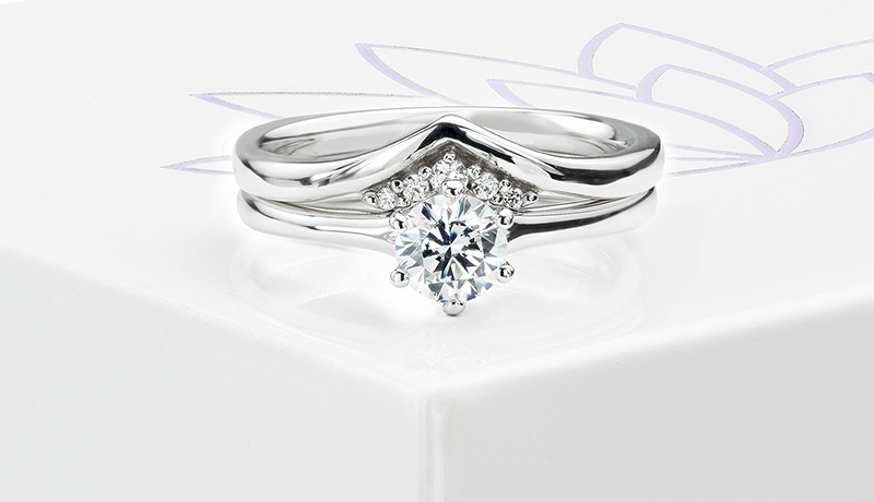 Coronet diamond wedding ring