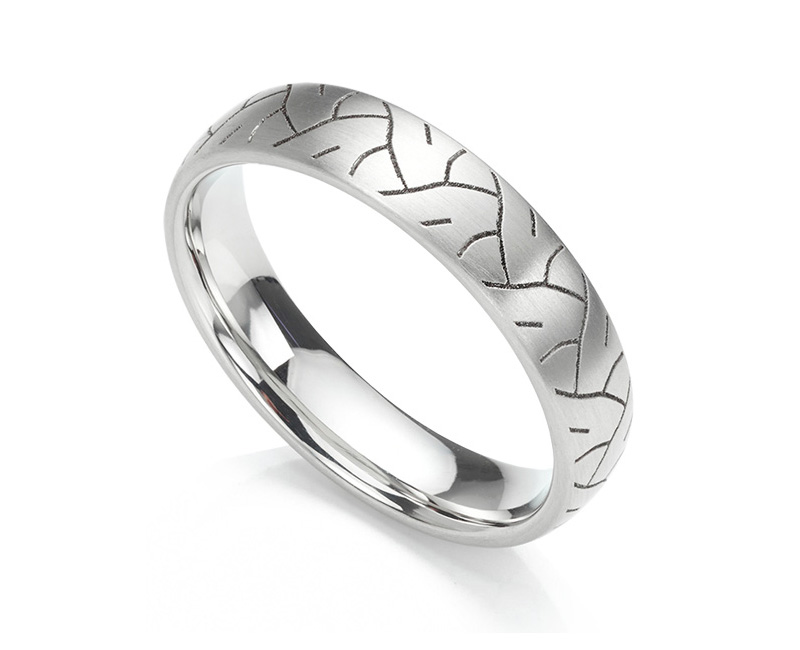 Tyre print patterned wedding ring