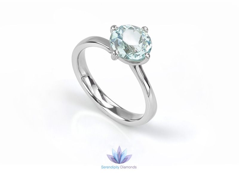 Side view of the Aquamarine and Platinum engagement ring