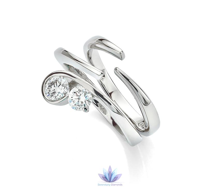 Split band shaped wedding ring