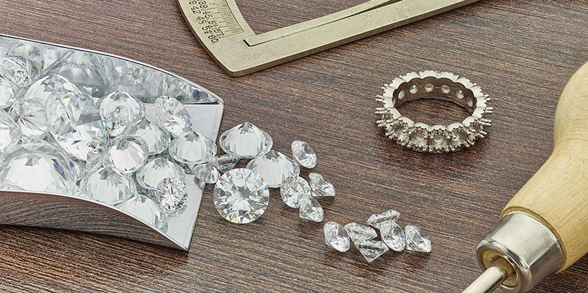 Platinum eternity ring mount