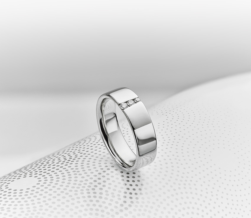 Do Men Wear 3 Stone Diamond Rings Ideas For Men S Trilogy Rings