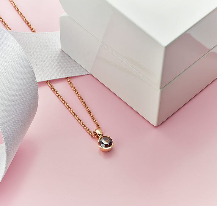 Chocolate brown coloured diamond pendant in Rose Gold