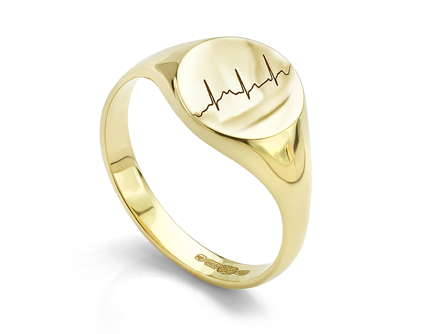 Heartbeat engraved signet ring