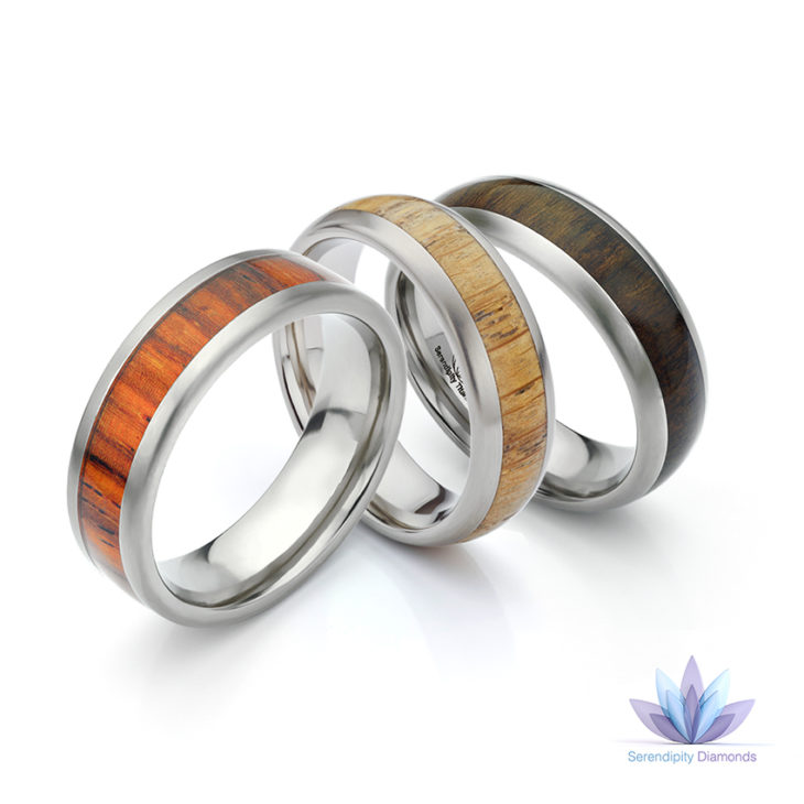 Set of three wood wedding rings in Titanium