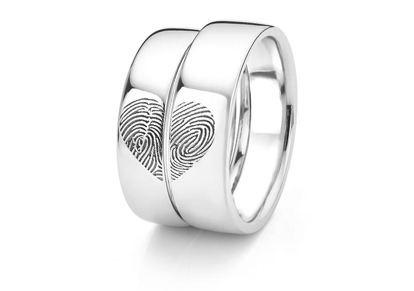 Heart patterned fingerprint wedding band