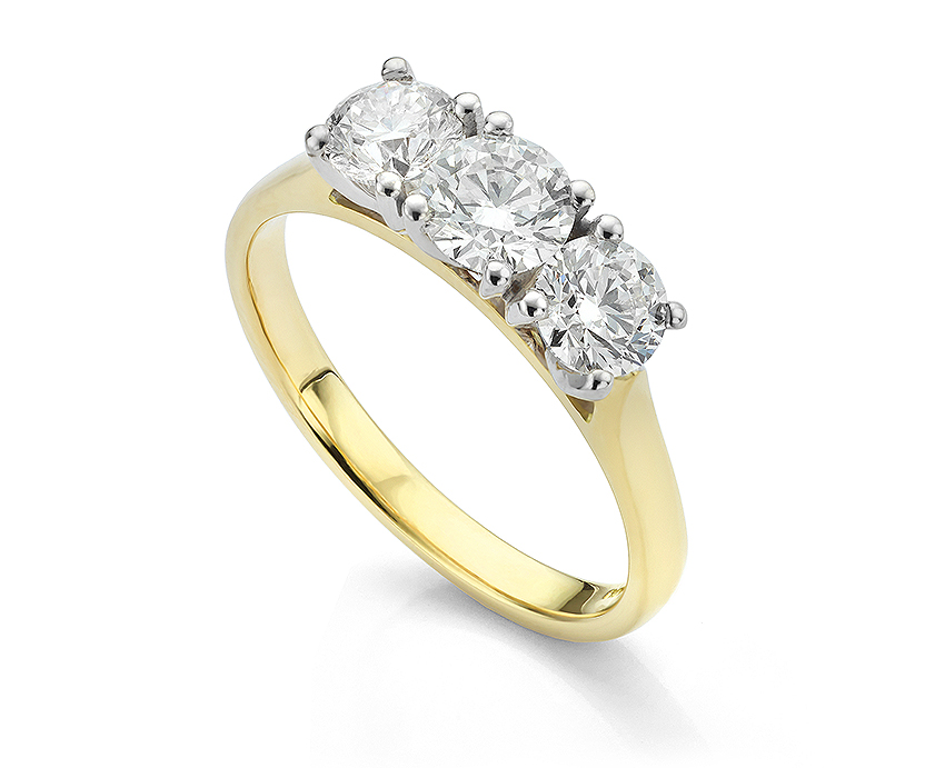 Diamond trilogy ring with ctw of 1.50 carats