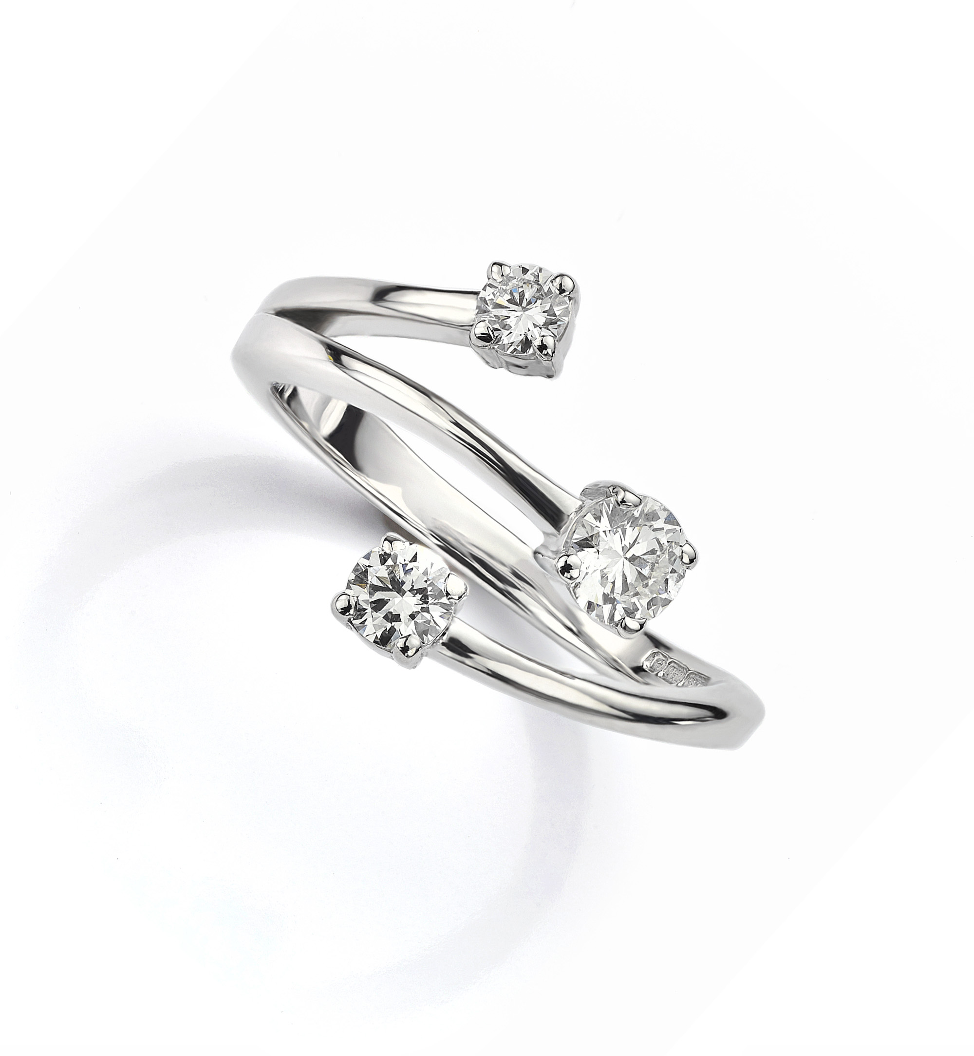 Bypass engagement rings example in 950 Platinum