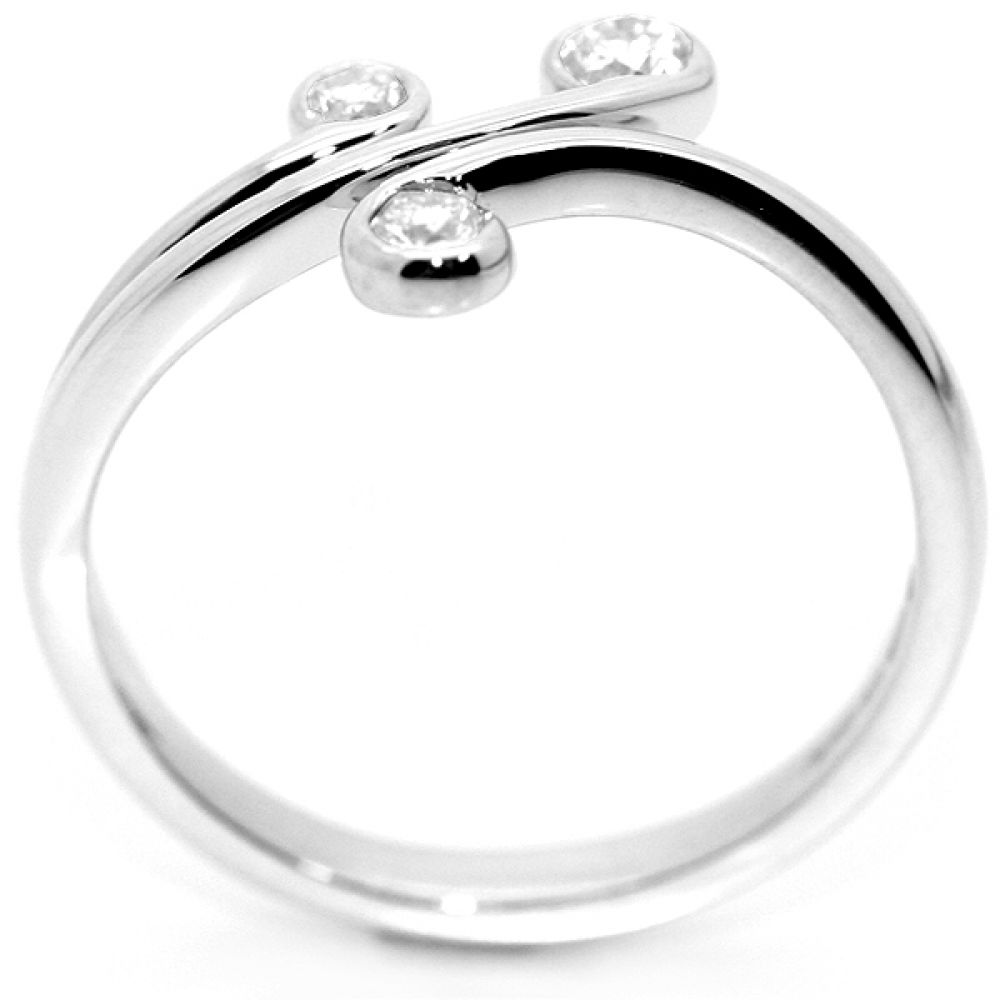 0.16cts Sweeping 3 Stone Diamond Ring Side View