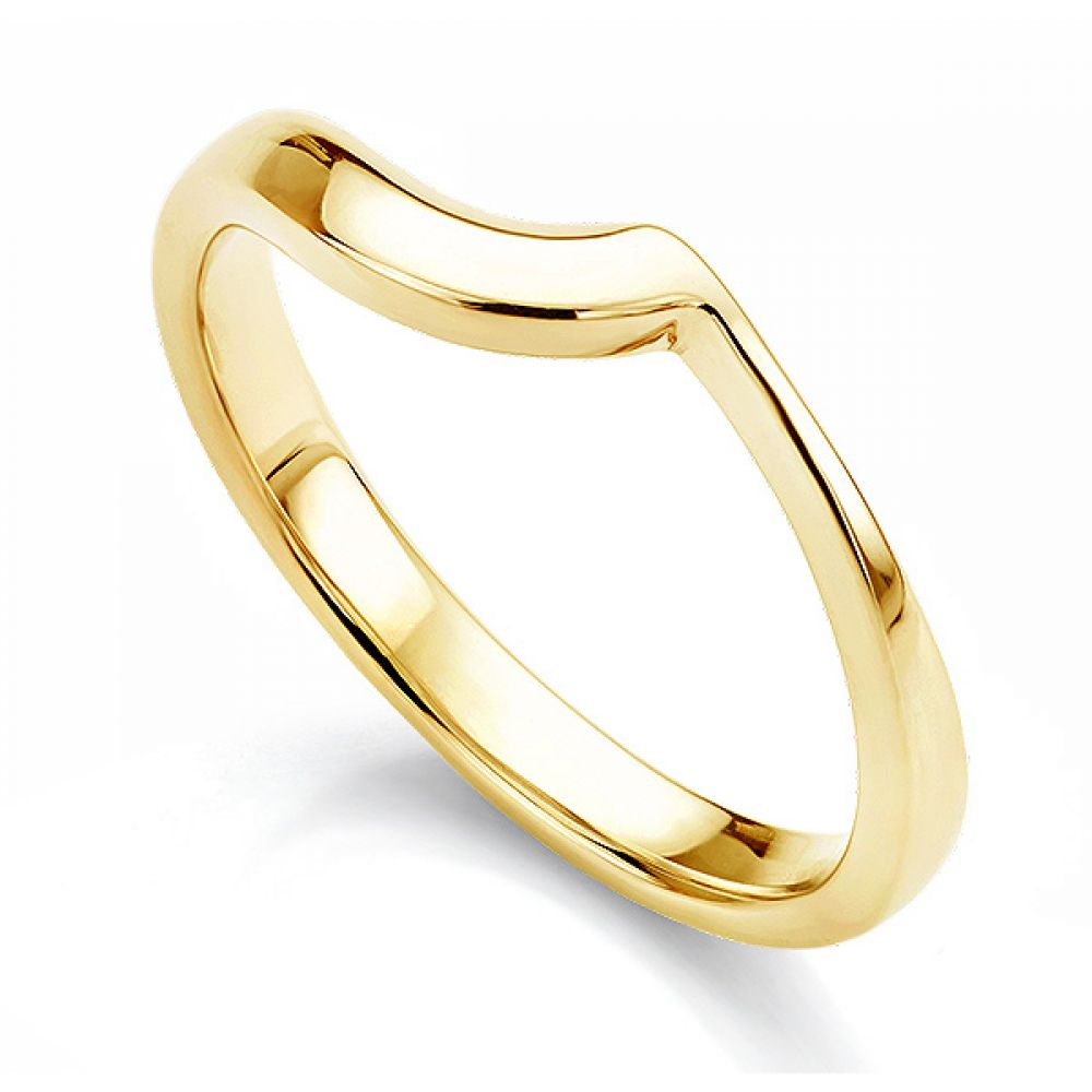 Shaped wedding ring for bezel engagement ring in yellow gold
