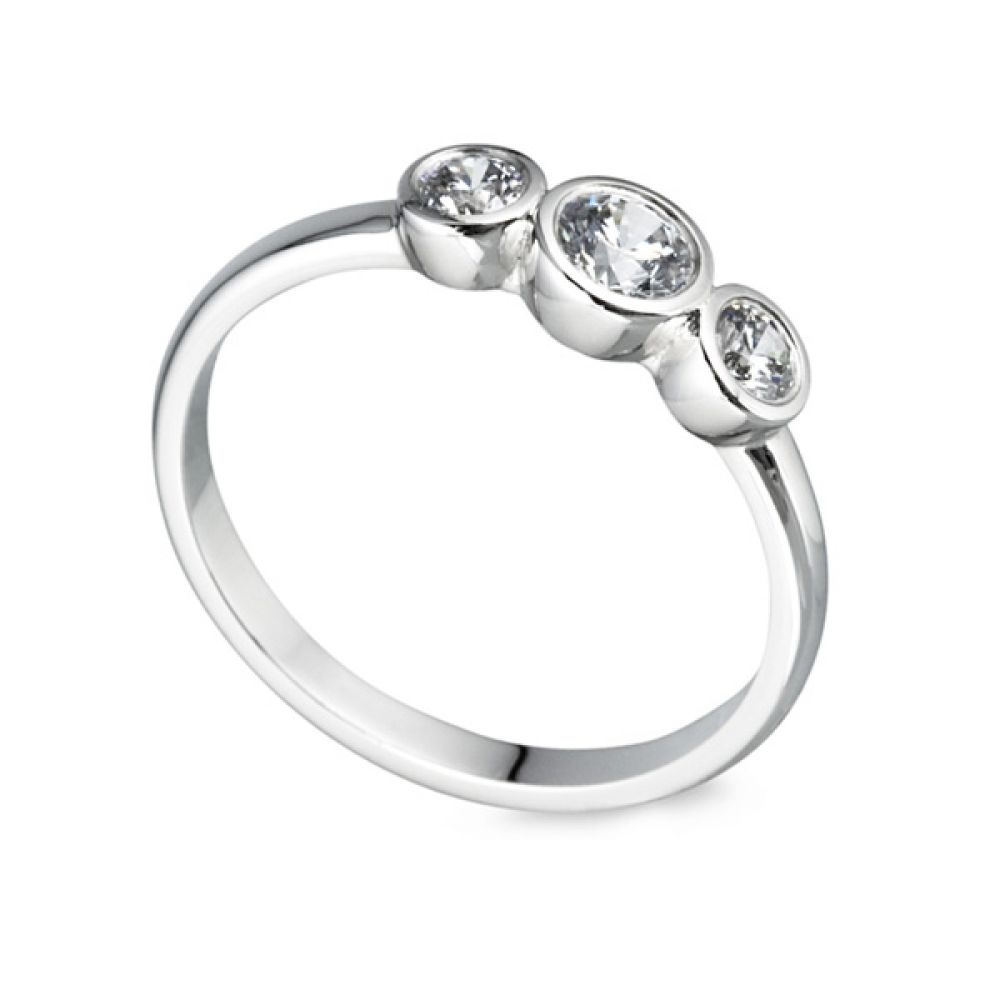Gradated Bezel Three Stone Engagement Ring
