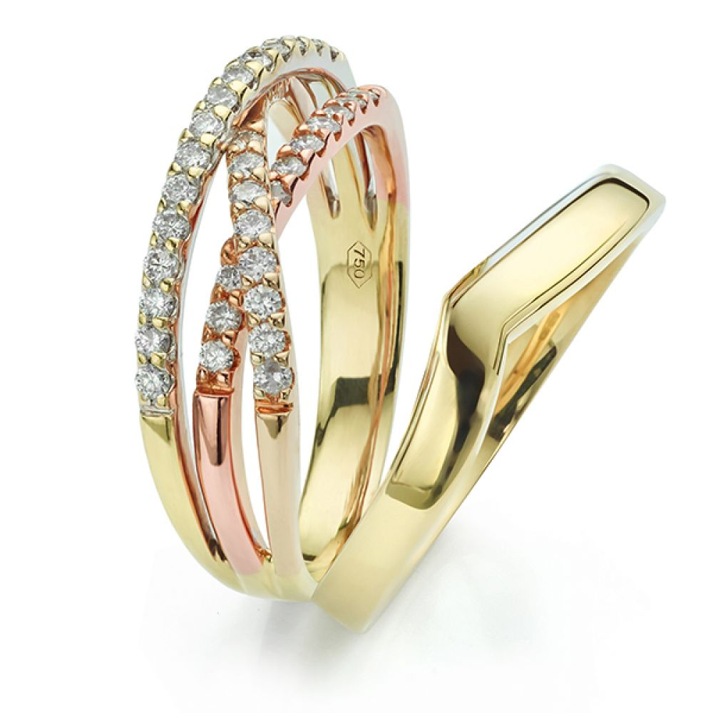 V shaped wedding ring in yellow gold apart from engagement ring