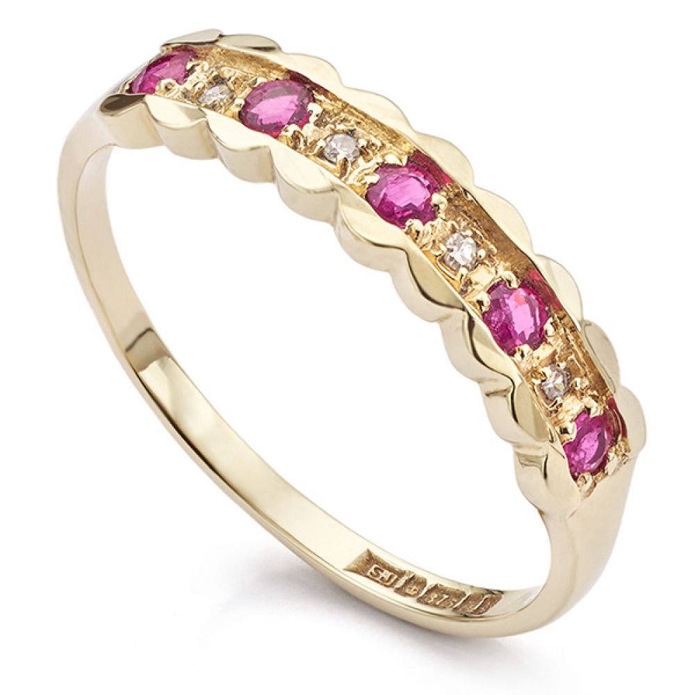 Pink sapphire and diamond dress ring