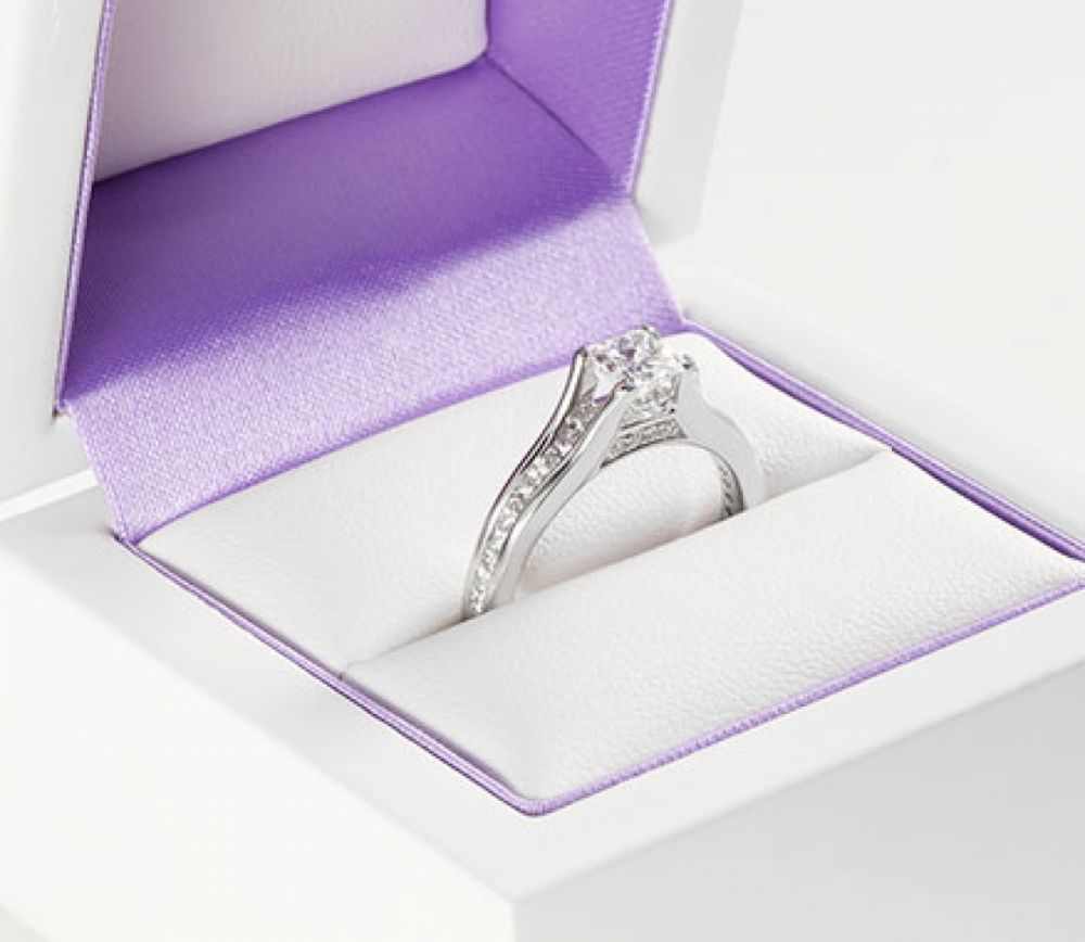 Diamond shoulder engagement rings - channel set Passerelle