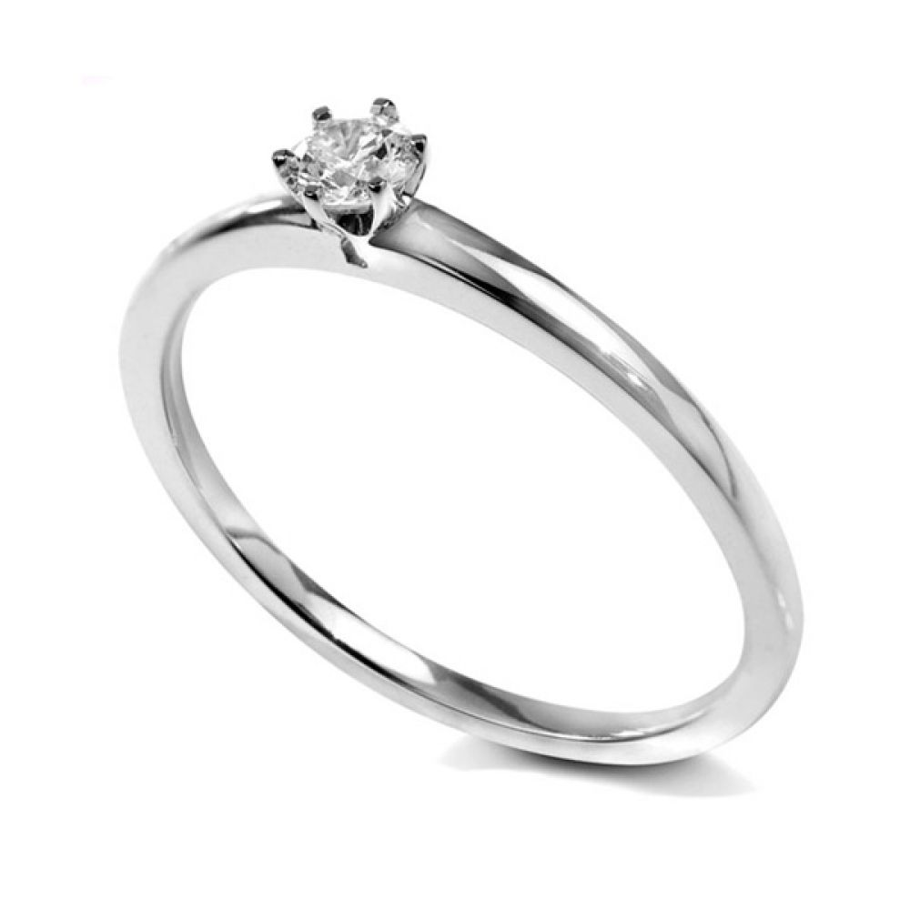Petite six claw diamond solitaire