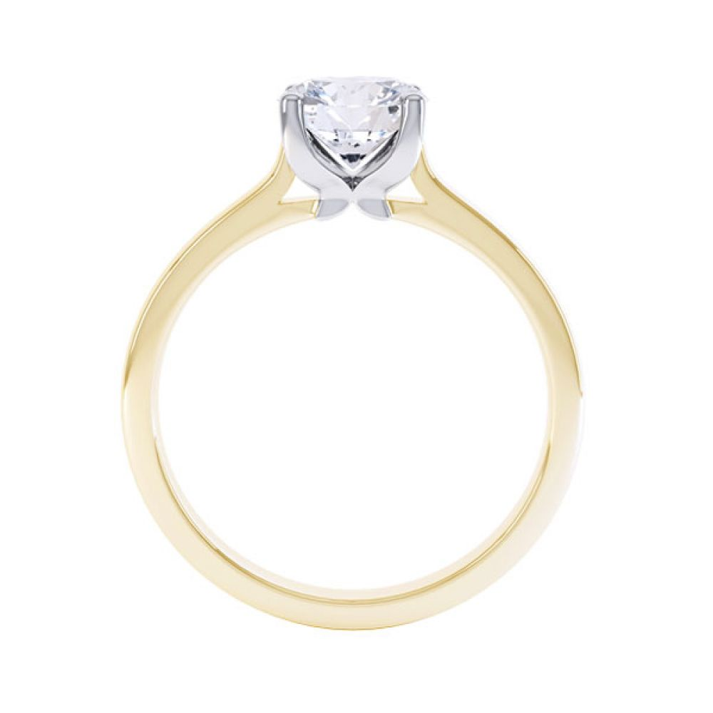 Simple four-claw solitaire in Yellow Gold