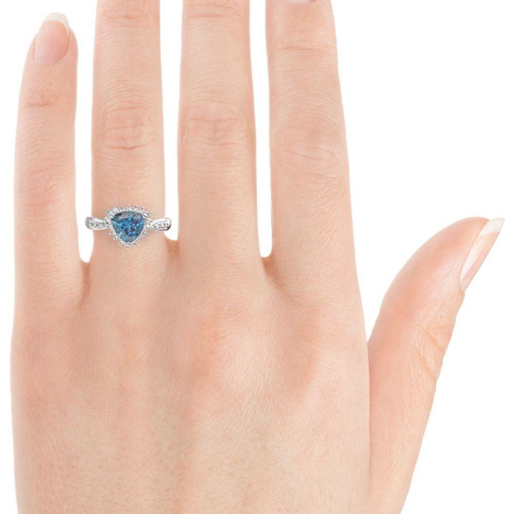 9ct Gold Topaz Trilliant Dress Ring Finger view