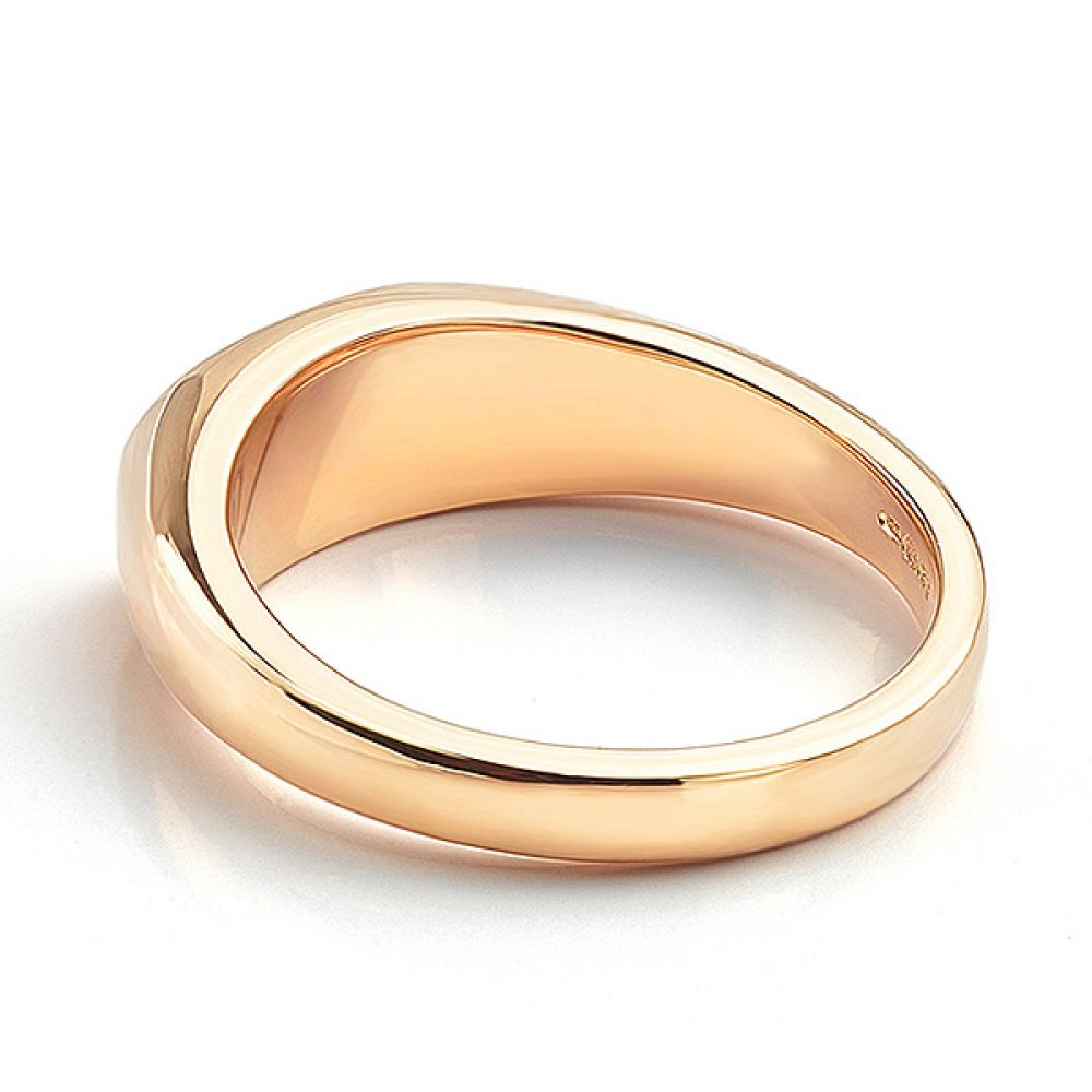 Lying down view of the ladies oval signet ring rose gold