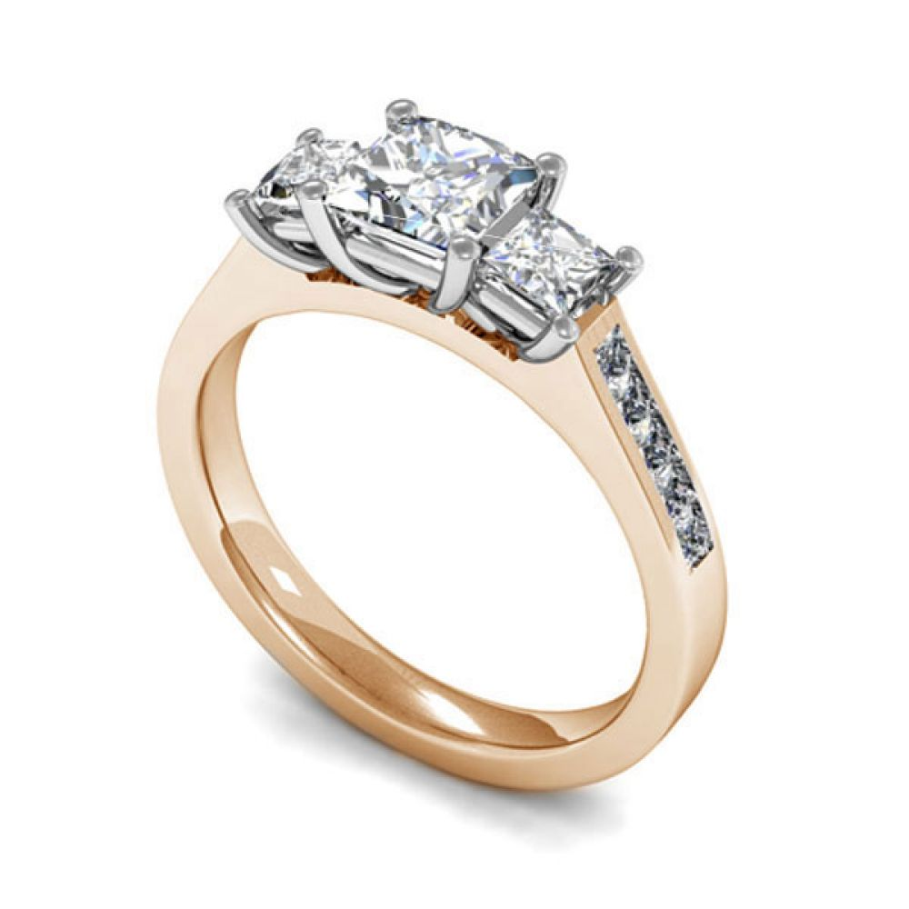 Trilogy princess cut with diamond shoulders - Rose