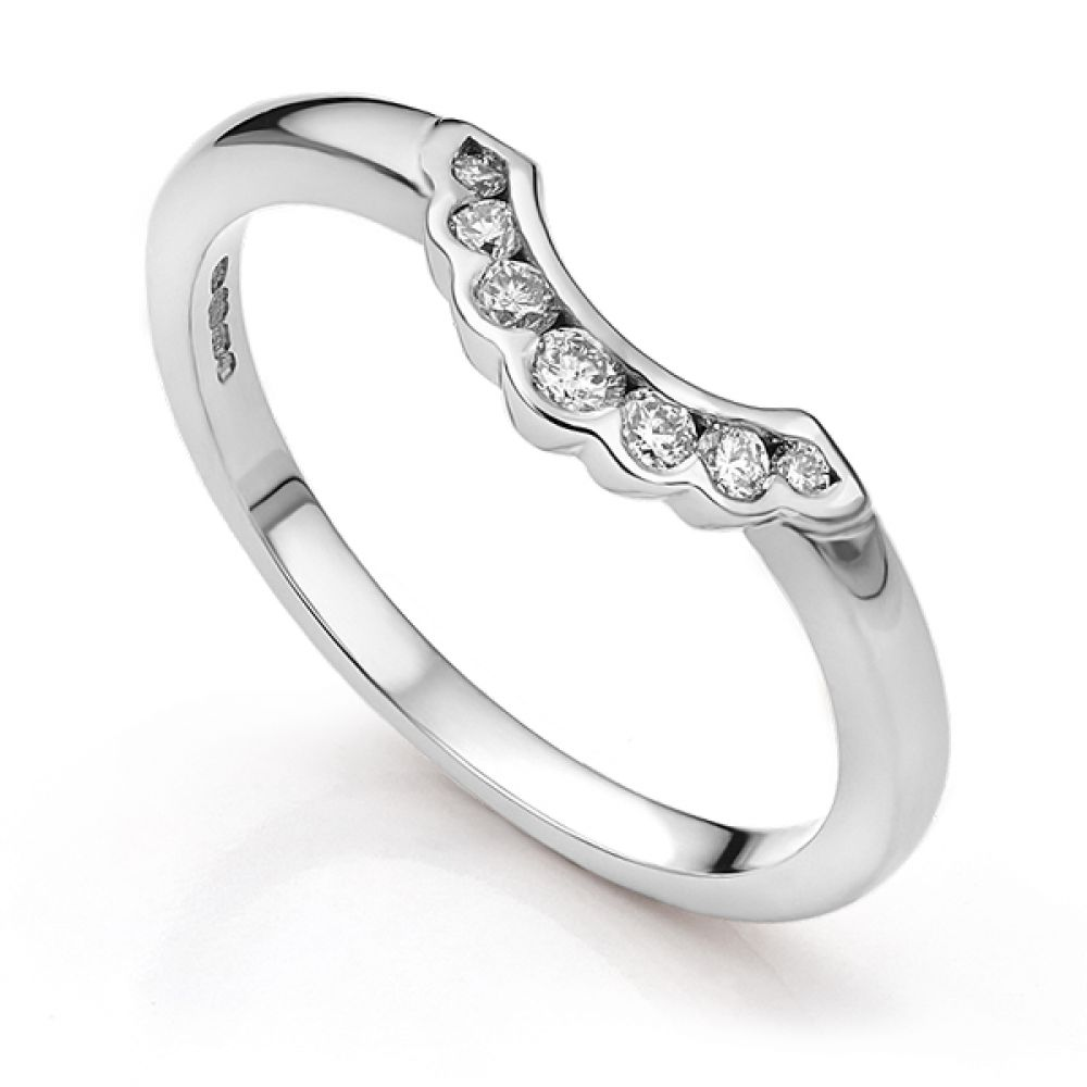 Scallop shaped wedding ring in white gold