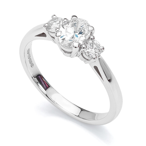 Oval & Round Diamond 3 Stone Ring