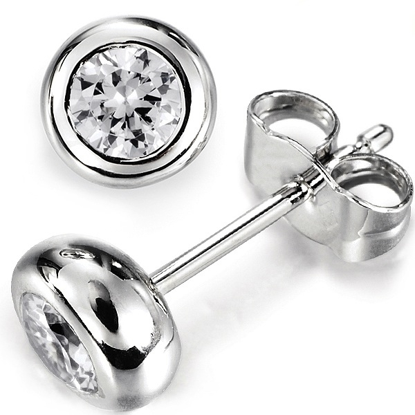 0.20cts Full Bezel Round Diamond Stud Earrings
