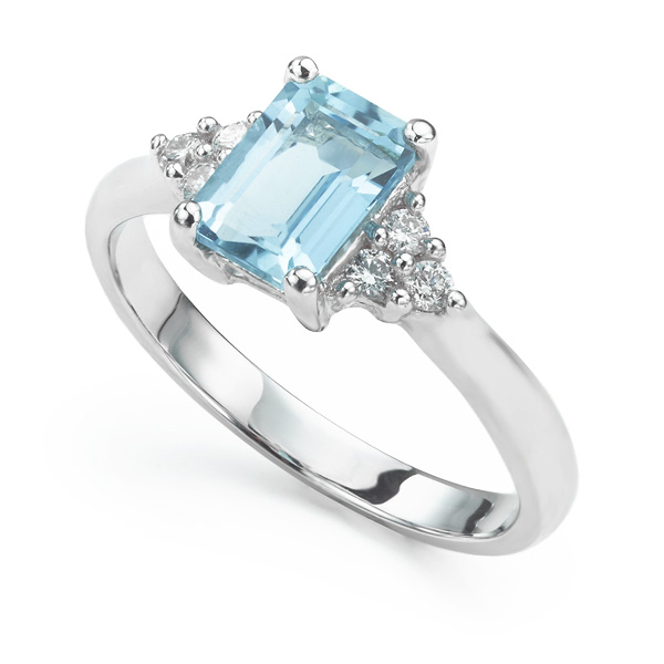 Seven stone Aquamarine and Diamond Ring
