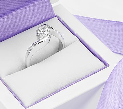 Elegant diamond rings