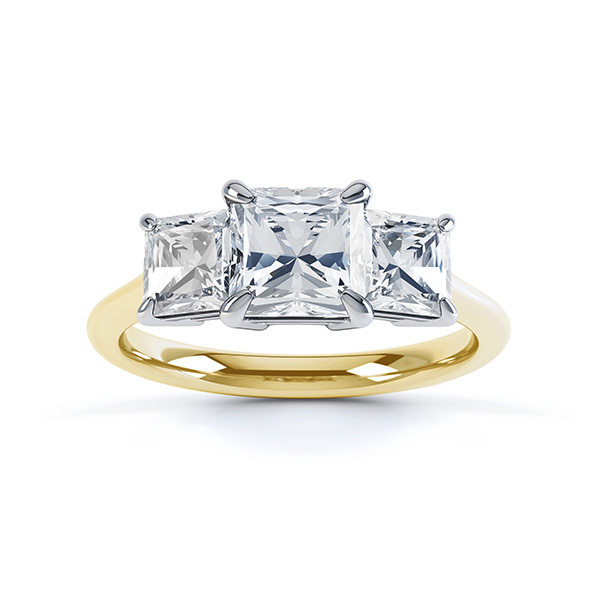 0.70cts Graduated Three Stone Engagement Ring In Yellow Gold